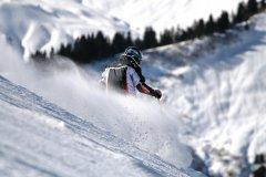 Skieur (© PHILIPPE DEVANNE - FOTOLIA)