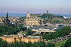 Édimbourg porte fièrement son statut de capital écossaise. (© Alamer - Iconotec)