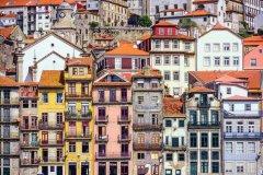 Porto et ses immeubles colorés. (© SeanPavonePhoto)