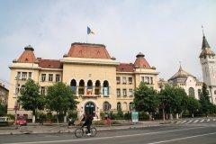 L'hôtel de ville de Târgu Mureş. (© Stéphan SZEREMETA)