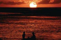Coucher de soleil sur la baie de Marigot. (© Author's Image)