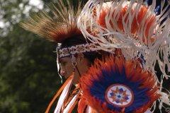 Danse dans un rassemblement pow-wow. (© Msphoto - Fotolia)