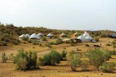 Campement de yourtes près du lac Aydar Kul. (© Patrice ALCARAS)