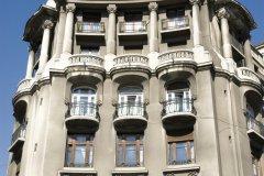 Façade d'immeuble. (© Alamer - Iconotec)