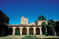 Cloître de l'abbaye de Lagrasse (© IRÈNE ALASTRUEY - AUTHOR'S IMAGE)