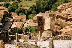 Les toits de Moustiers-Sainte-Marie (© VINCENT FORMICA)