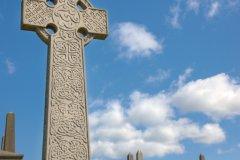 Croix celtique gravée dans le cimetière Necropolis de Glasgow. (© iStockphoto.com/theasis)