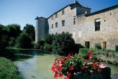 La bastide de Fourcès (© PHOVOIR)