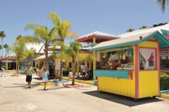 Fruits Vendors Market. (© The Islands of the Bahamas)