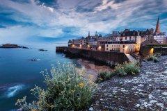 Ville de Saint-Malo sur l'embouchure de la Rance. (© benkrut)