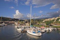 Le port de Saint-Gilles-les-Bains. (© Author's Image)