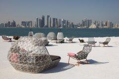 Café avec une superbe vue sur la ville de Doha. (© iStockphoto.com/typhoonski)