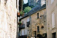 Rue du commandant Charollais et le château (© Florent RECLUS - Author's Image)