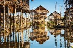 Maisons sur pilotis sur le Lac Inle. (© Nikada)