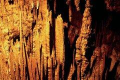 Grottes de Škocjan, stalagtites illuminées. (© Stéphane Maréchal - Iconotec)