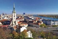 Bratislava et la cathédrale Saint-Martin. (© Mikhail MARKOVSKIY - Fotolia)