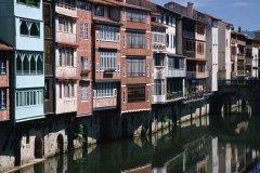 Maisons au bord de l'Agout - Castres (© PHOVOIR)