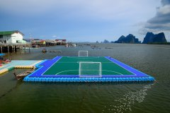 Terrain de football flottant à Koh Panyee. (© SP rabbito - Shutterstock.com)