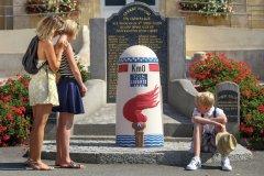 Borne km 0, mairie Sainte-Mère-Eglise. (© C. Cauchard et Office de tourisme de la Baie du Cotentin)