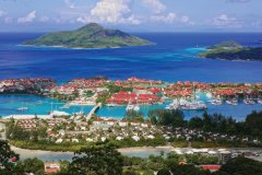 Panorama d'Eden Island et Sainte Anne. (© Barbara & Hartmut Röder  - Office du tourisme des Seychelles)