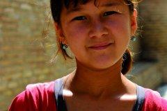 Portrait de fillette dans les ruelles d'Ichan Kala. (© Patrice ALCARAS)