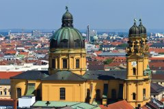 Vue depuis Peterskirche: Theatinerkirche. (© Lawrence BANAHAN - Author's Image)