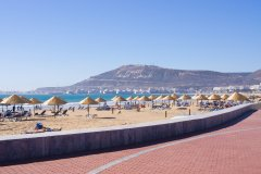 Plage d'Agadir. (© CCat82 - Shutterstock.com)