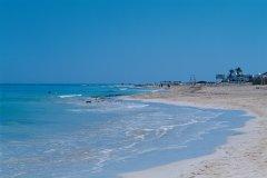 Plage de Sidi Mahrez, zone touristique de Djerba. (© Author's Image)