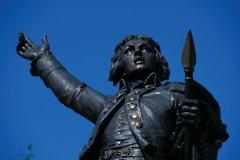 La statue de Rouget de Lisle sur la place de la Chevalerie (© PIERRE DELAGUÉRARD - ICONOTEC)