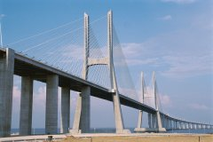 Ponte Vasco da Gama. (© Author's Image)