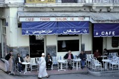 Terrasse d'un café du petit Socco. (© Thierry Lauzun - Iconotec)