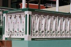 À Corossol, on décore même les balcons. (© Author's Image)