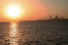 Coucher de soleil sur Marine Drive. (© Stéphan SZEREMETA)