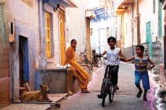 Jeux d'enfants dans les rues de Jodhpur. (© Nicolas HONOREZ)
