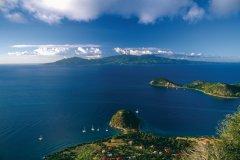 Vue sur la Guadeloupe et le Pain de Sucre. (© Author's Image)