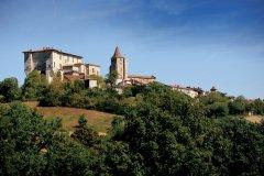 Lavardens, un des plus beaux villages de France (© PHOVOIR)