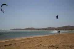 Session de kitesurf dans la Guajira. (© CAPOA VOYAGES COLOMBIE)