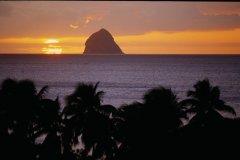 Coucher de Soleil sur Anse-Figuier. (© Vincent FORMICA)