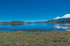 Laguna de Cotacotani et volcan Parinacota (© Joséphine - Iconotec)