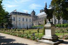 Jardin de l'Archevêché, Bourges. (© Jessica DAVOUST)