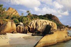 Anse Source d'Argent, entre plage et granit. (© Tom Pepeira - Iconotec)
