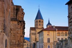 Cluny et son abbaye. (© LianeM / Adobe Stock)
