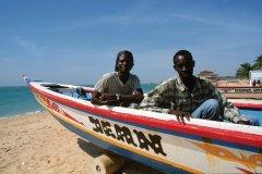 Pêcheurs sur la plage de Saly-Portudal. (© Author's Image)