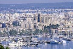 Ville de Palma de Majorque, le port et la cathédrale. (© Hervé Bernard - Iconotec)