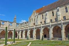 Les jardins de l'Abbaye de Royaumont. (© foxytoul - Fotolia)