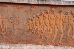Bas reliefs du mémorial de Ouidah. (© Pascal Mannaerts - www.parcheminsdailleurs.com)