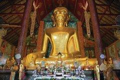 Vue du bouddha de Wat Jet Yot. (© Jérôme BOUCHAUD)