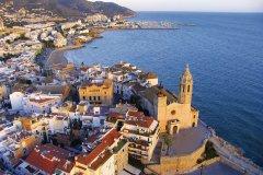 Platja de Sant Sebastià à Sitges. (© Costa de Barcelona)