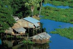 Siem Reap sur le Tonlé Sap. (© Alamer - Iconotec)