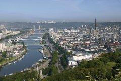 Le belvédère de la côte Sainte-Catherine permet d'admirer la vue sur la ville (© Franck GODARD)